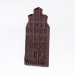 Wrocław – tenement house. Dessert chocolate 55%, size ca. 100x50x6 mm, weight ca. 25 g