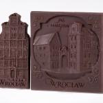 Wrocław – Jaś i Małgosia. Dessert chocolate 55%, size ca. 100x145x10 mm, weight ca. 60 g.